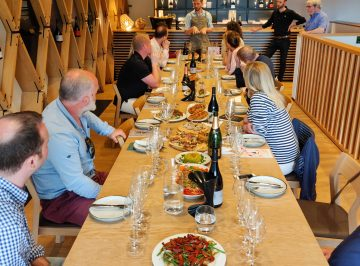 Winery lunch and English wine tasting tour in Kent, Gusbourne